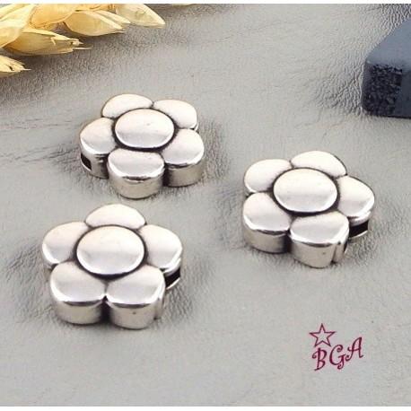 5 Fermoirs magnetiques fleur plaque argent pour cuir 5mm