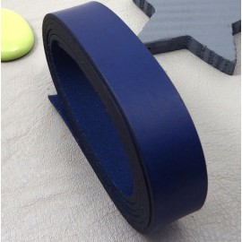 Cuir plat 20mm bleu haute qualite par 19cm