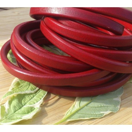 Cuir ovale regaliz rougepar 20cm