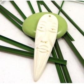 Pendentif masque en corne couleur ivoire 65x21mm