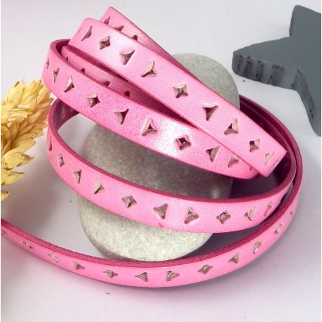cordon cuir plat 10mm perfore triangle et carre rose par 20cm
