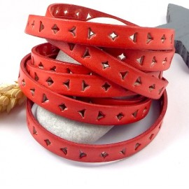 cordon cuir plat 10mm perfore triangle et carre corail par 20cm
