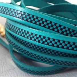 Cuir plat 10mm impression damier turquoise et noir par 20cm