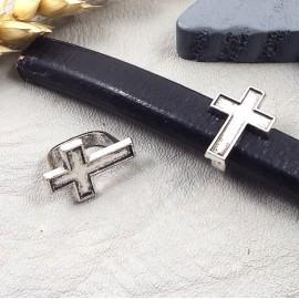 passe cuir croix argentee pour cuir regaliz