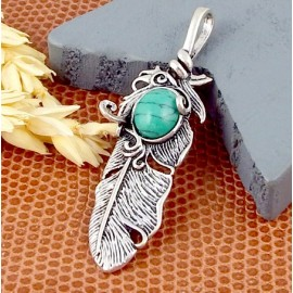 1 pendentif boheme plume argent vielli et howlite turquoise 48x14mm