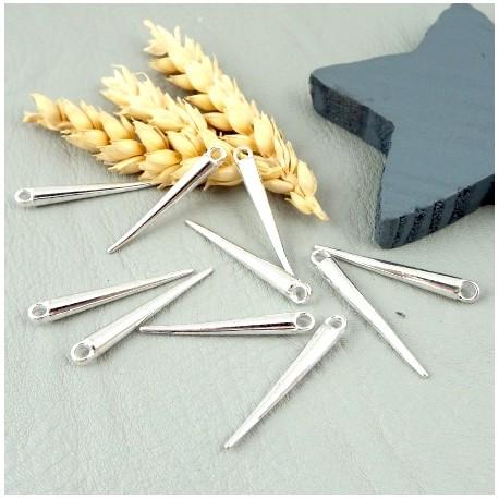 10 pendentifs aiguilles de pin argentees 33x4mm
