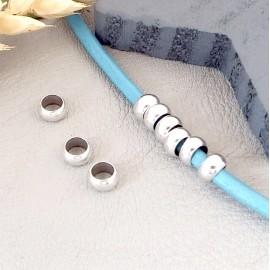 5 perles rondelles plaque argent pour cuir 4mm