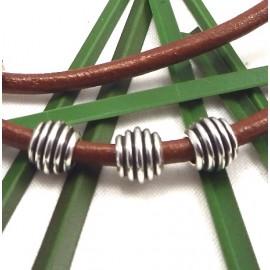 Perles striees metal zamak plaqué argent pour cuir 2 a 3mm
