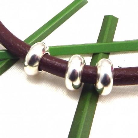 Perles ronde lisse metal zamak plaqué argent pour cuir 2 a 3mm
