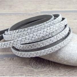 cuir plat 5mm gris clair texture grave ecailles