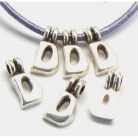Lettre D pendentif alphabet plaque argent