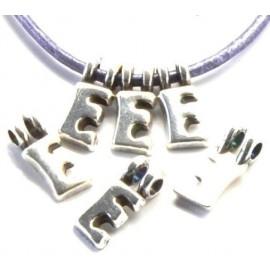 Lettre E pendentif alphabet plaque argent