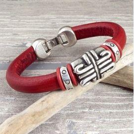 kit bracelet cuir regaliz rouge ethnique boho avec perle et fermoir plaque argent