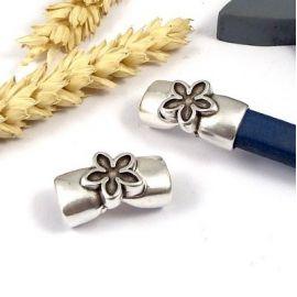 fermoir magnetique fleur gravee plaque argent pour cuir regaliz