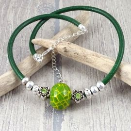 Kit collier cuir vert perles strass et ceramique