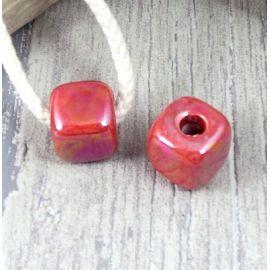 Perle passante cube rouges brillant pour cuir rond