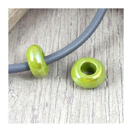 2 perles rondelles ceramique artisanale vert anis brillant cuir 5mm