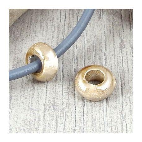 2 perles rondelles ceramique artisanale marron et ivoire brillant cuir 5mm