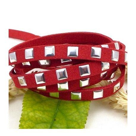 cordon suedine rouge fonce avec clous argentes 6.5mm