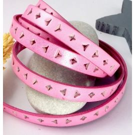 1 metre cordon cuir plat 10mm perfore triangle et carre rose par 20cm
