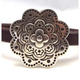 fermoir magnetique grande fleur ethnique plaque argent pour cuir regaliz