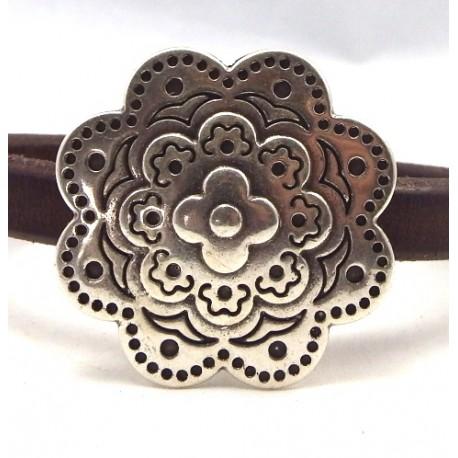 fermoir magnetique fleur plaque argent pour cuir regaliz