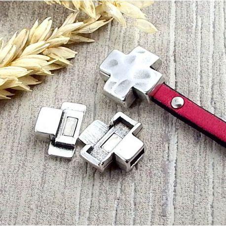 Fermoir magnetique croix martelee vieilli plaque argent pour cuir 5mm