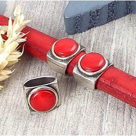 Passant argent et cabochon rouge pour cuir regaliz