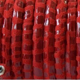 Cordon de daim rond 5mm rouge facon serpent par 20cm