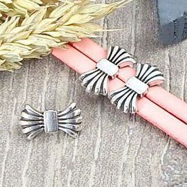 Passant joli noeud plaque argent pour cuir 10mm