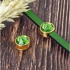 Passe cuir flashe or et swarovski vert pour cuir plat 5mm