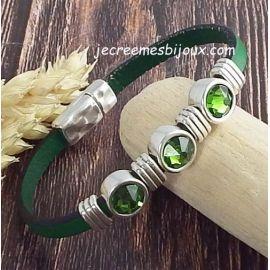 Kit bracelet cuir vert tendre avec cristal swarovski emeraude et argent