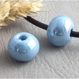 1 perle ronde ceramique artisanale bleu jean irisé pour cuir 3mm