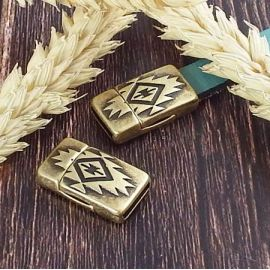 Fermoir original azteque magnetique plaque bronze pour cuir plat 10mm