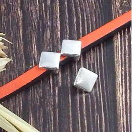 2 passe cuir losange lisse plaque argent pour cuir 5mm