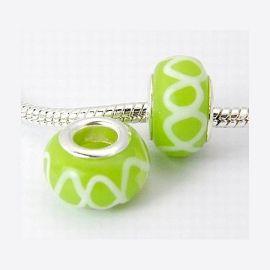10 perles europeennes Lampwork vert anis