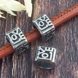 Perle carree love acier inoxydable pour cuir rond 5mm