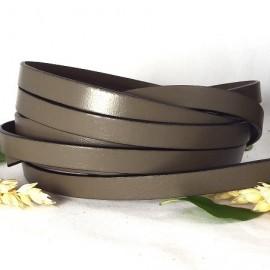 Cuir plat 10mm taupe en gros