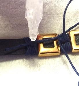 Etape 5 enroulage de fil sur cuir plat