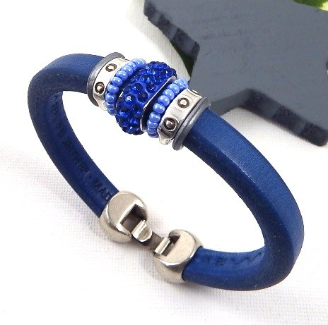 Bracelet cuir regaliz bleu argent et rocailles bleues