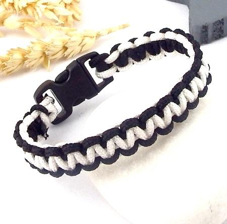 Bracelet paracorde noir et blanc